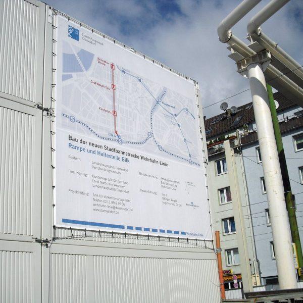Containerbanner mit Stahlseilrahmen