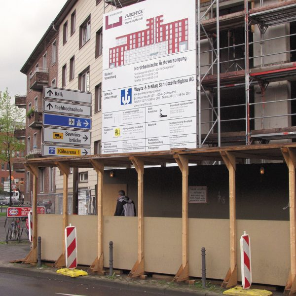 Miet-Schildkonstruktion als Bauschild, Schildfläche 4 x 6 m